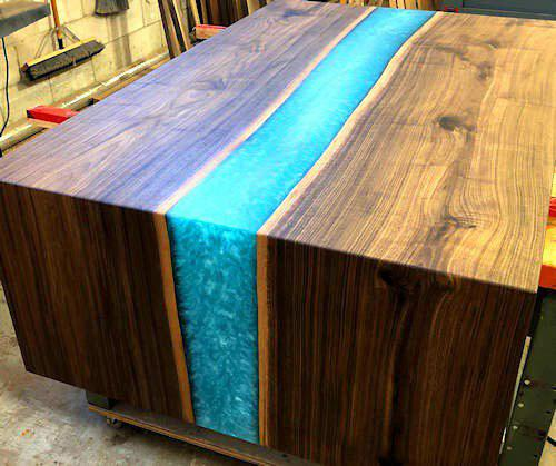 HOW TO MAKE A RESIN AND WOOD RIVER TABLE AND COUNTERTOP (LIVE EDGE)