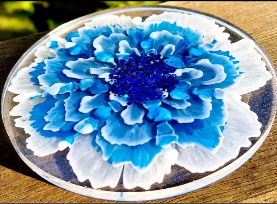 Epoxy resin coasters: mold, resin and most suitable colors